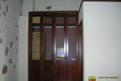 Armario-macizo-2C-1VS-acabado-envejecido-hotel-rural